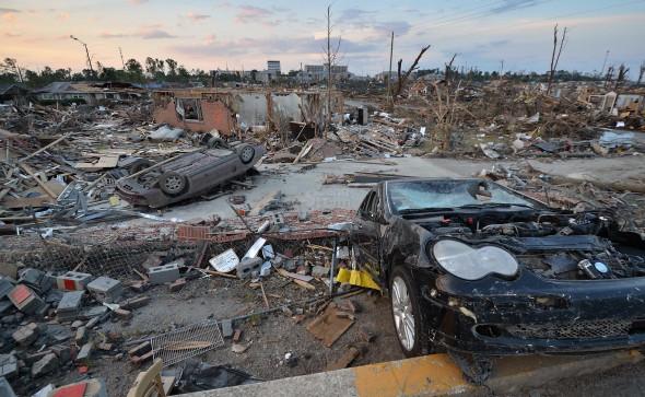 Danni da tornado EF4