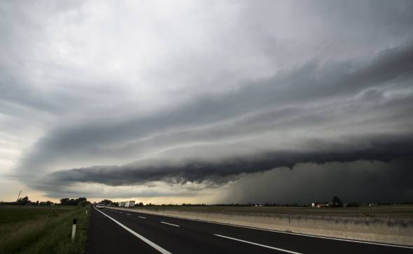 Incredibile shelf cloud